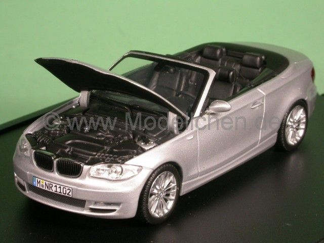 bmw e88 1er cabrio silber modellauto minichamps 1 43. Black Bedroom Furniture Sets. Home Design Ideas
