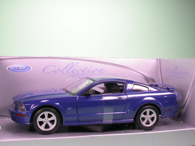 ford mustang gt 2005 blau modellauto welly 1 24. Black Bedroom Furniture Sets. Home Design Ideas