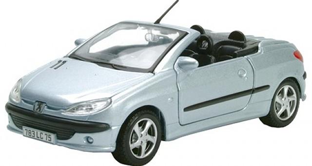 peugeot 206 cc cabrio silber modellauto 31972 maisto 1 24. Black Bedroom Furniture Sets. Home Design Ideas