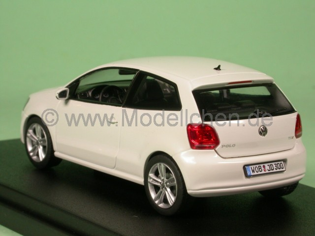 vw polo v 2009 typ 6r weiss modellauto schuco 1 43. Black Bedroom Furniture Sets. Home Design Ideas