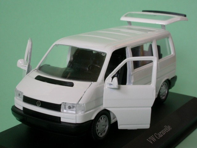 vw t4 caravelle bus weiss modellauto schabak 1 43. Black Bedroom Furniture Sets. Home Design Ideas