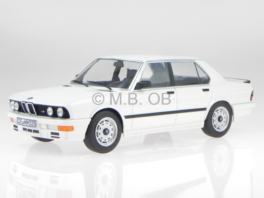 bmw e28 m535i 1986 weiss modellauto 183260 norev 1 18 ebay. Black Bedroom Furniture Sets. Home Design Ideas