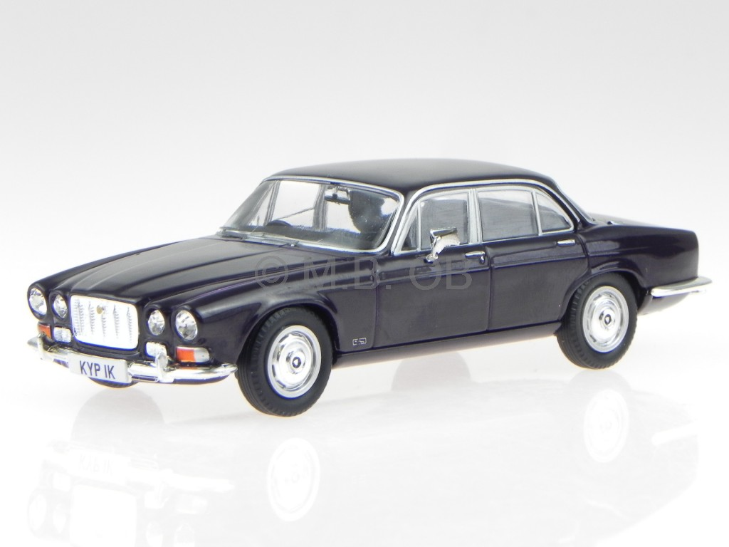 jaguar xj6 series 1 4 2 swb black modelcar va08620. Black Bedroom Furniture Sets. Home Design Ideas
