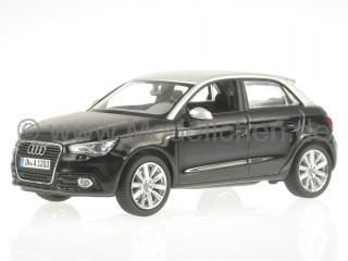 Audi A1 Sportback phantomschwarz (Dach silber) Modellauto Kyosho 1:43