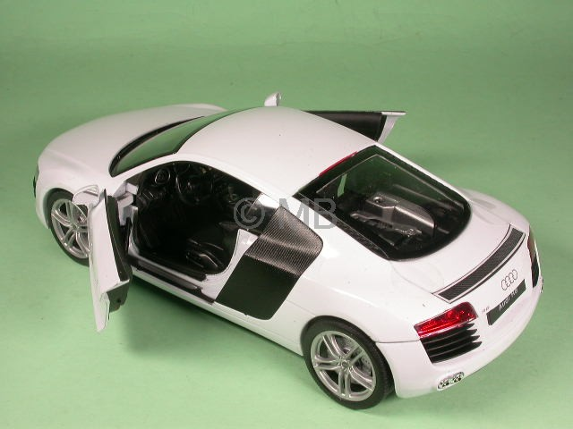 audi r8 weiss modellauto maisto 1 24 ebay. Black Bedroom Furniture Sets. Home Design Ideas