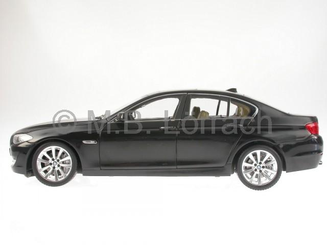 bmw f10 5er schwarz modellauto welly gta 1 18 ebay. Black Bedroom Furniture Sets. Home Design Ideas