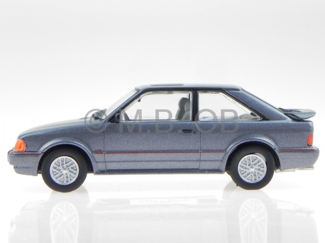 Bilder: Ford Escort Limousine 1990 - autoplenumde