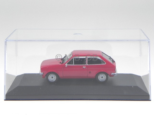 ford fiesta mk1 1976 rot modellauto 1 43 ebay. Black Bedroom Furniture Sets. Home Design Ideas