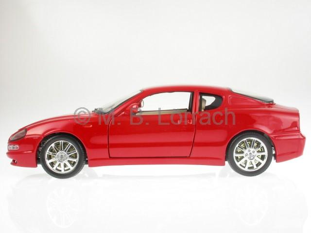 maserati 3200 gt granturismo coupe rot modellauto 18 12031. Black Bedroom Furniture Sets. Home Design Ideas