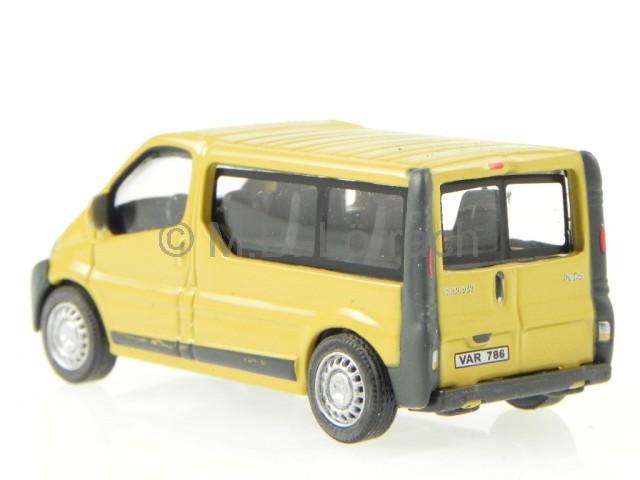 renault trafic bus kombi modellauto c192nd cararama 1 72. Black Bedroom Furniture Sets. Home Design Ideas