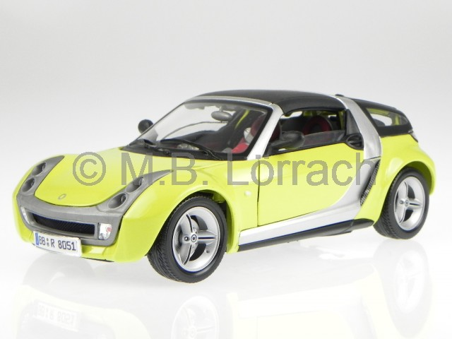 smart roadster coupe yellow diecast model car 18 12052. Black Bedroom Furniture Sets. Home Design Ideas