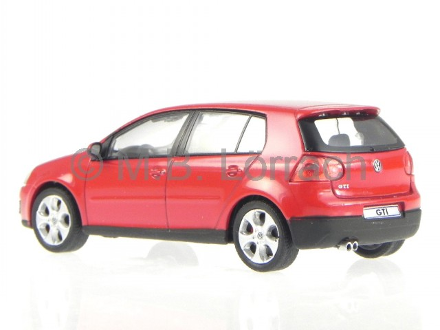 vw golf 5 gti 5 tuerer rot modellauto cararama 1 43 ebay. Black Bedroom Furniture Sets. Home Design Ideas