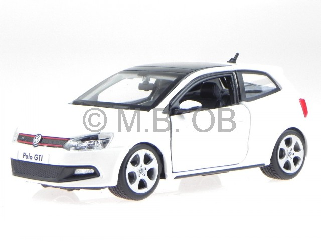 vw polo 5 gti 2012 weiss modellauto 21059 bburago 1 24 ebay. Black Bedroom Furniture Sets. Home Design Ideas